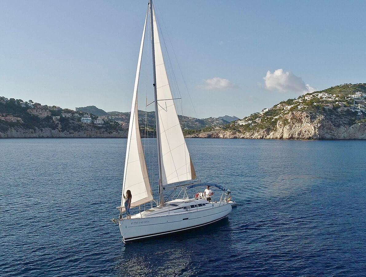 velero-en-el-mar-de-mallorca-alquiler11